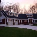 Plano de casa americana con garaje